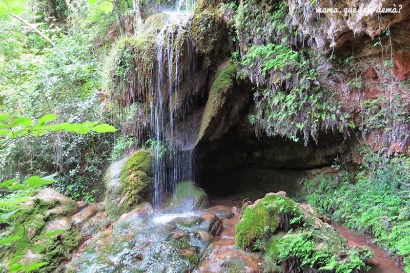 cascada de la vall de montblanc