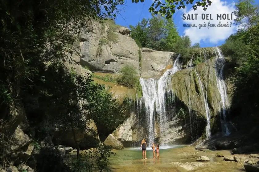 Excursión con niños al Salt del Molí en Vidrà