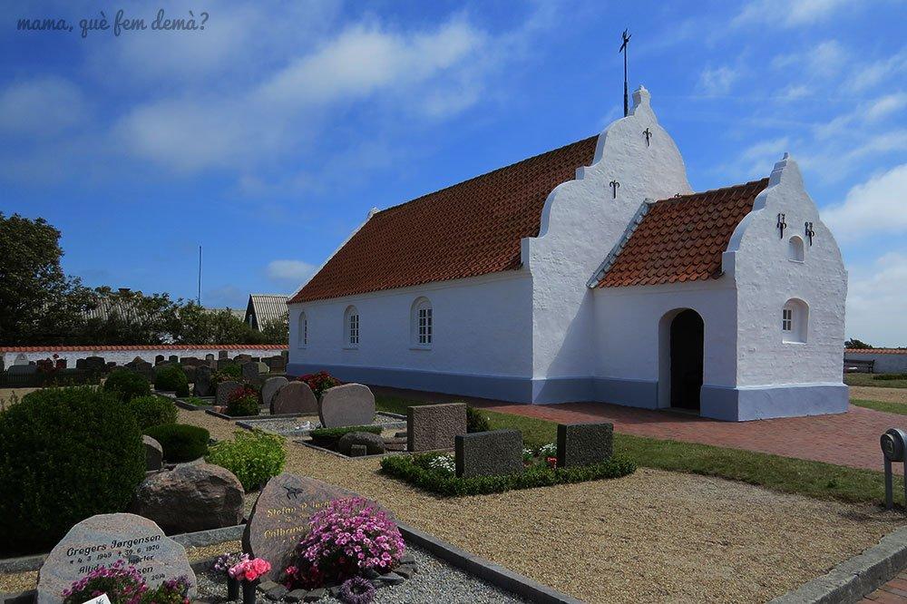 iglesia y cementerio de Mando