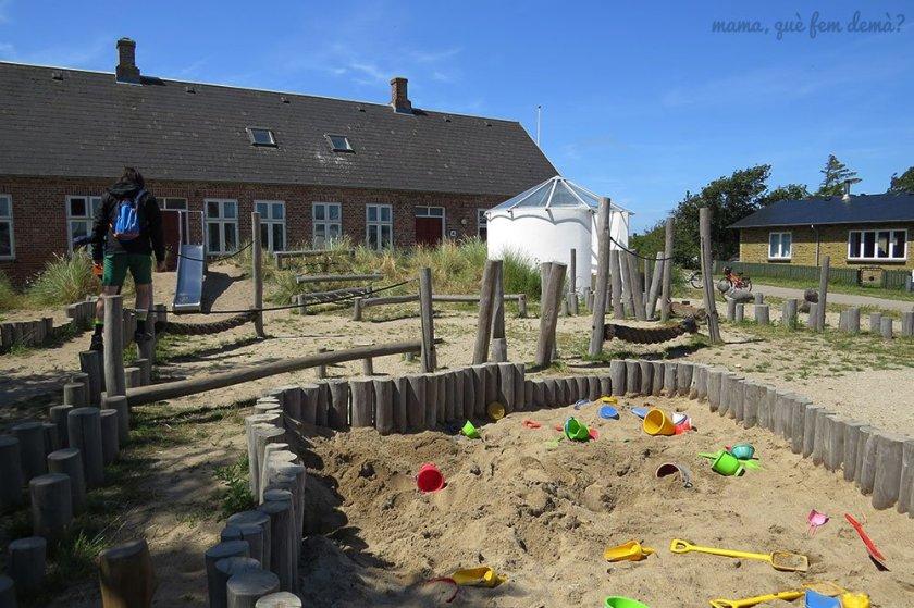 Parque infantil en la isla de Mando