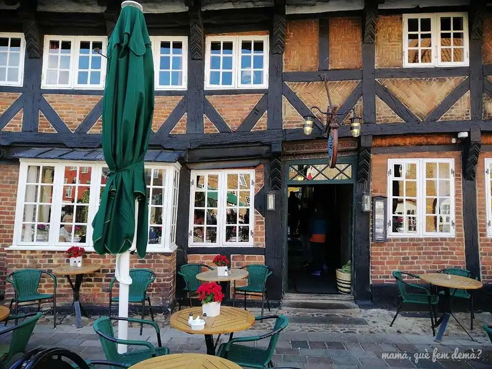 Puerta de entrada del restaurante Weis Stue de Ribe