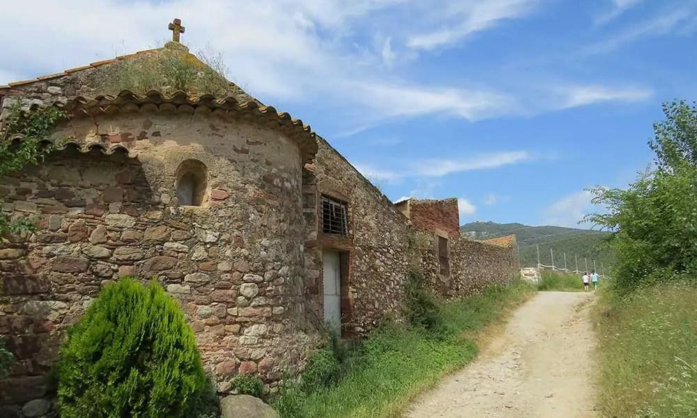 Exterior de la capilla de la Masía Can Fruitós