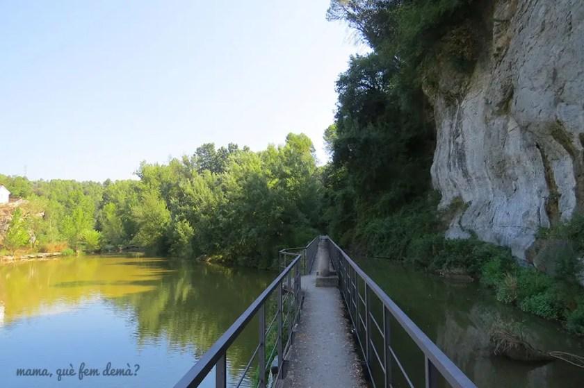 Canal de agua del llac de Navarcles