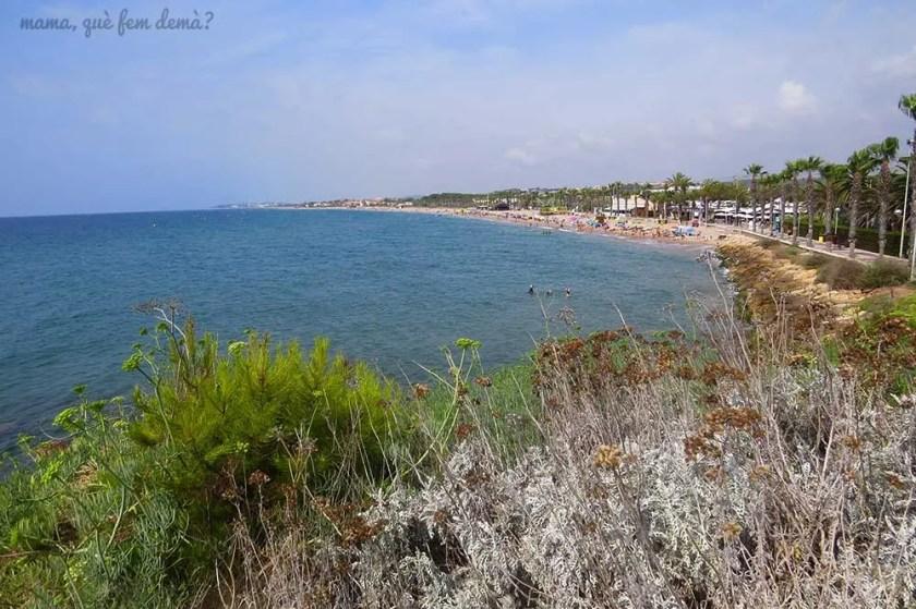 Playa larga de Roda de Berà