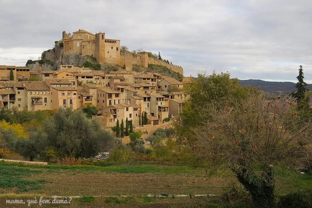 Vistas del pueblo medieval de Alquézar desde un mirador