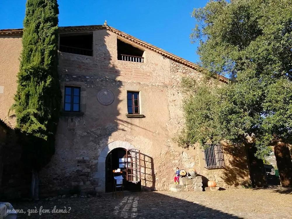 Exterior de la Masia de Can Deu de Sabadell