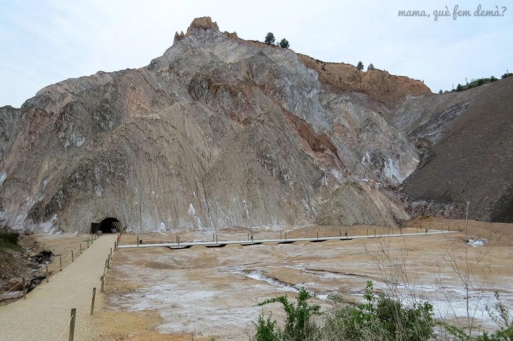 exterior de la montaña de sal de Cardona