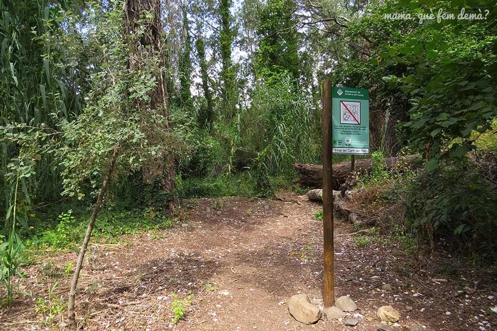 Poste indicador del final Camí del Rec de la Selva del Camp