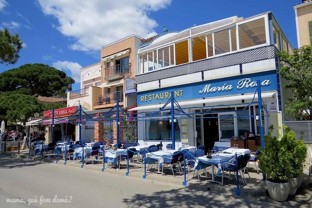 Exterior del restaurante María Rosa de la playa de Sant Pol de Sant Feliu de Guíxols