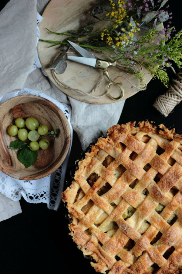 gooseberry-apple-pie
