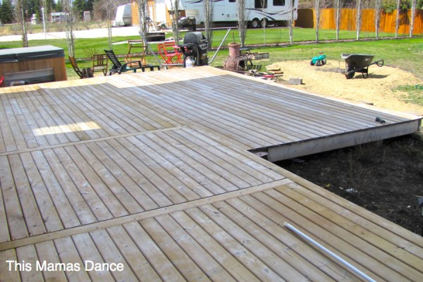 6 Tips for How to Stain a Deck | via Ashlea of This Mamas Dance