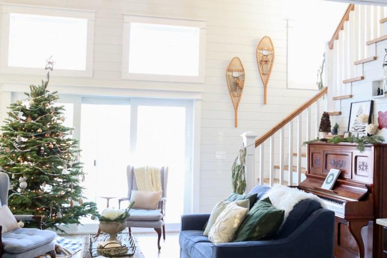 Lake House, Christmas Living Room-1