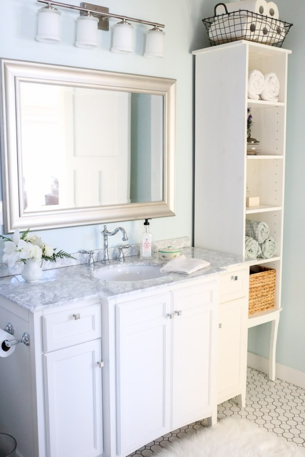 Cottage Style Family Bathroom