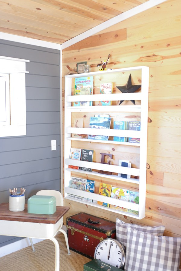 Reading Corner, Desk, Bookshelf, Planked Walls| Mamas Dance-9