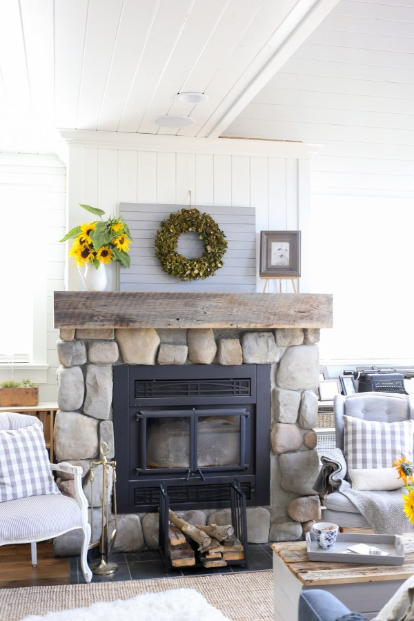 Fall Fireplace via This Mamas Dance