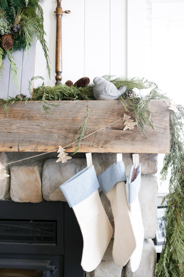 Christmas Decorating Inspiration | via Ashlea of This Mamas Dance