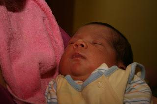 papá durante la lactancia materna