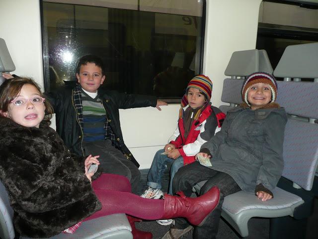 aventura viaje tren cercanías niños navidad