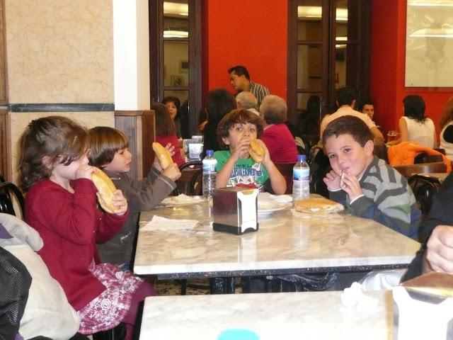 Madrid Navidad niños bocadillo calamares típico