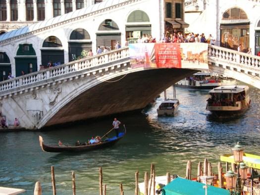 Historia Canales Turismo Viajar