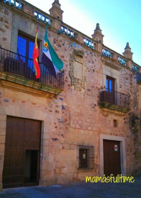Viajar Cáceres Extremadura Escapada palacio veletas