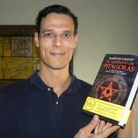 Uno al Mes: El Asesinato de Pitágoras un libro con historia