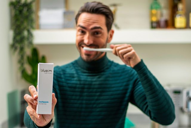 Jouwbox 8 - Tandpasta & ultra zachte tandenborstel van BLUE®M