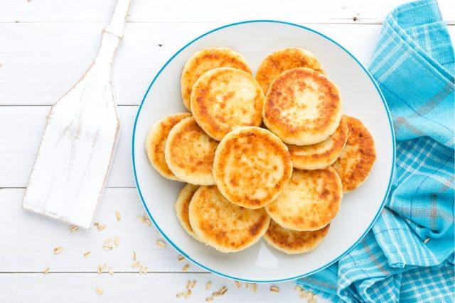 Kaaspannenkoek met appel (recept zonder ei) Shutterstock door Sea Wave