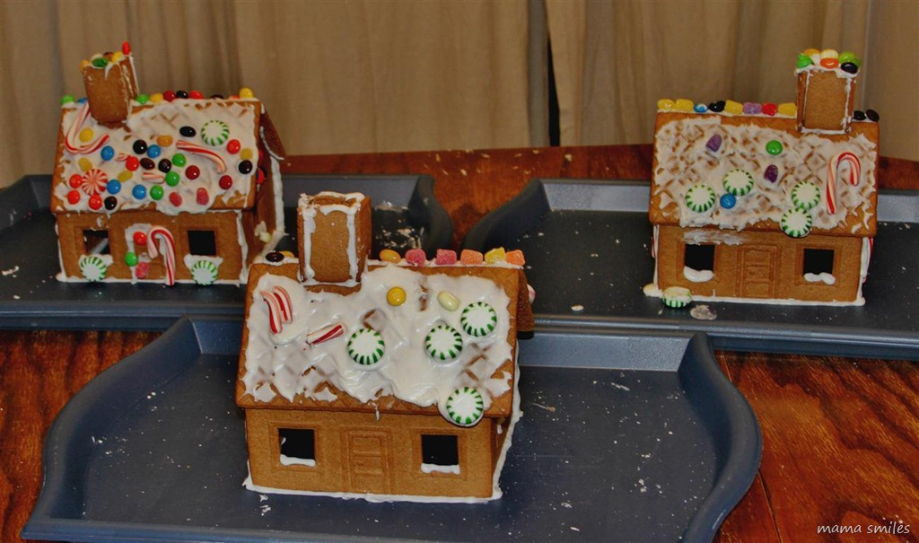 Tips And Tricks For Decorating Gingerbread Houses With Kids
