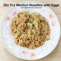 Stir fry wonton noodles with eggs