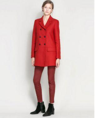 Abrigo rojo - 79 dólares en Zara