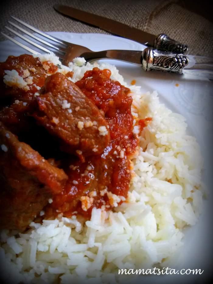 κοκκινιστό με ρύζι