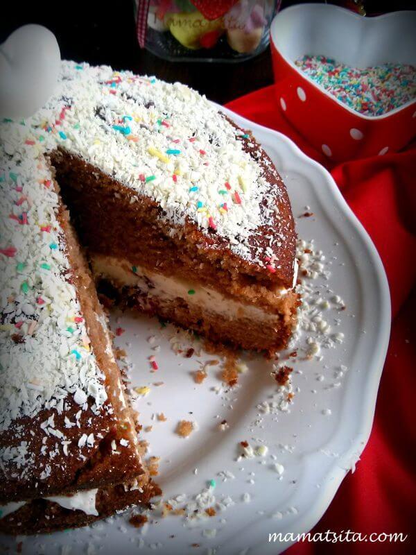 γεμιστό σοκολατένιο κέικ