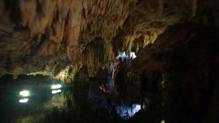 Σπηλαιο Διρού