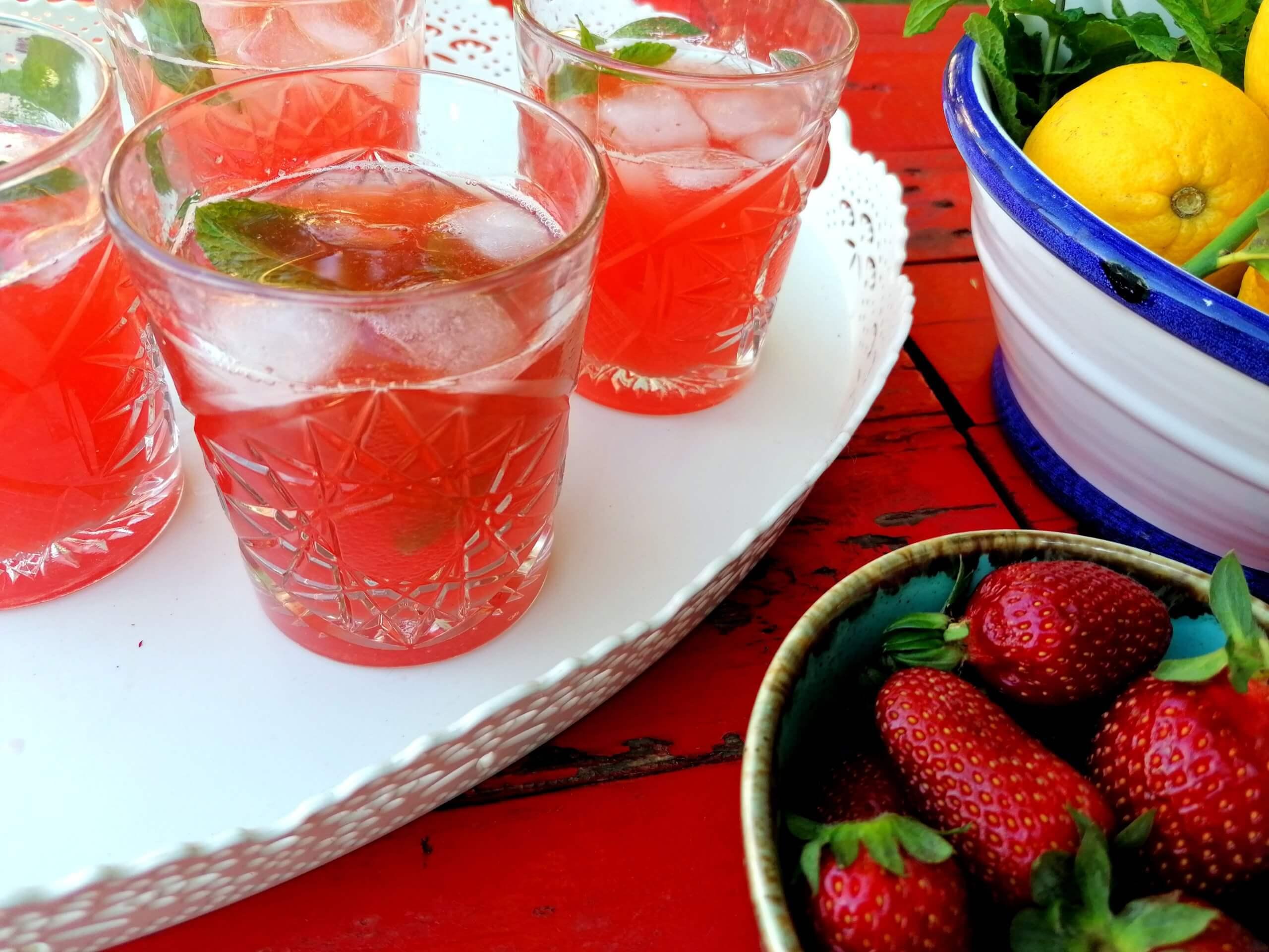 Δροσιστική λεμονάδα με φράουλες –  video