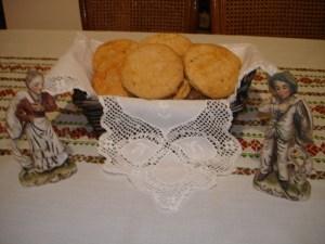 Τραπεζομάντηλο και σουβενίρ, δώρα της Κας Αλεξάνδρας