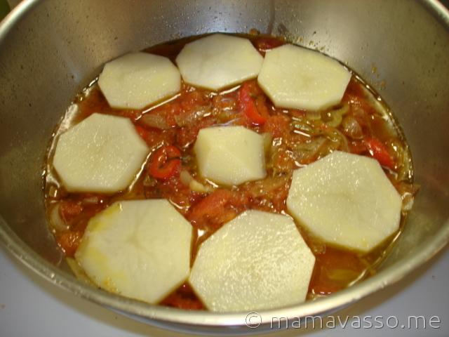 bakaliaros-napolitanikos-patates