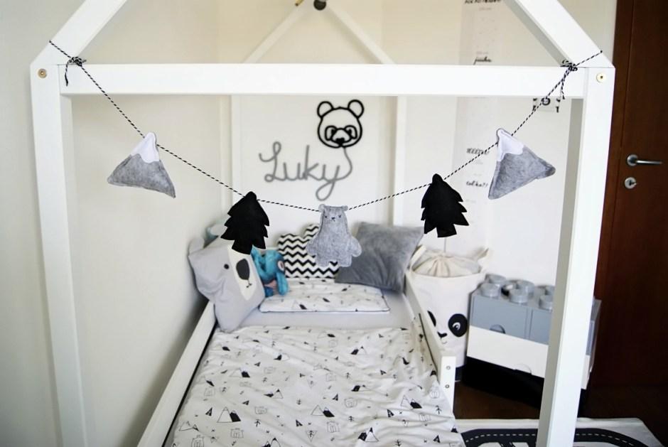 domčekova postel