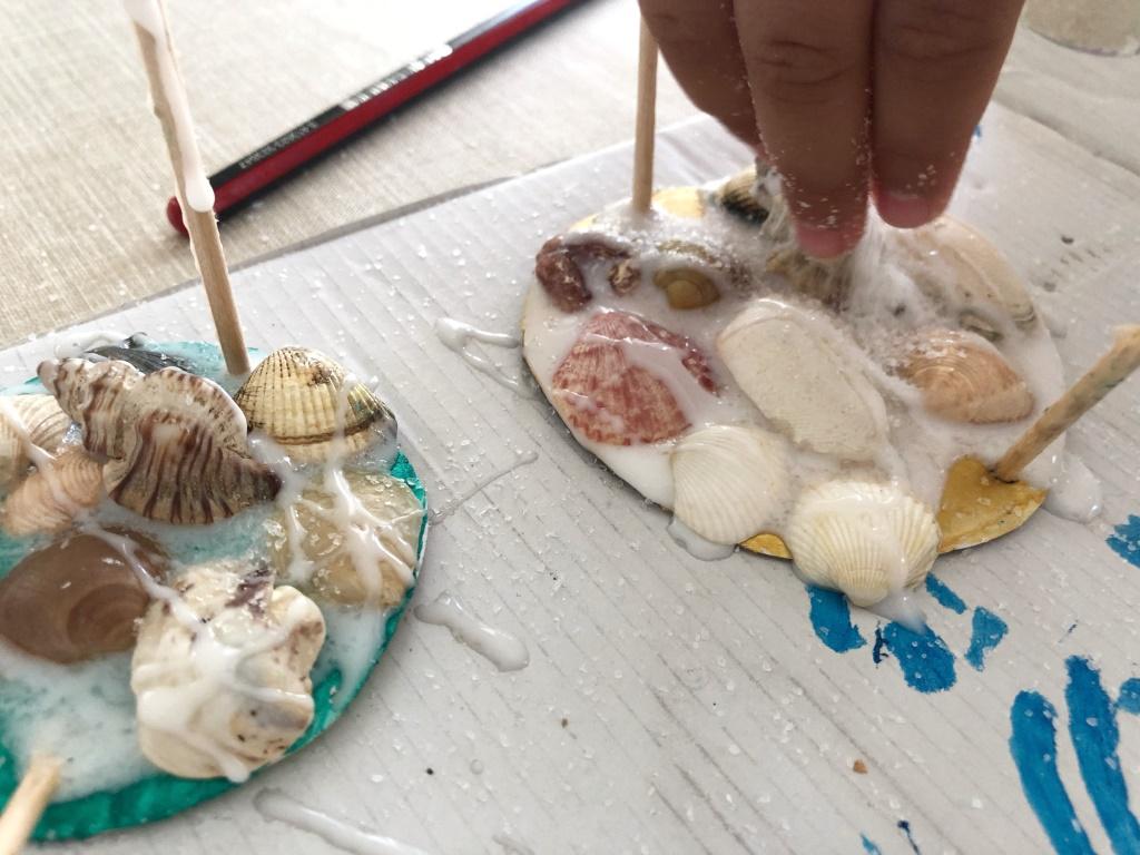 recuerdos con conchas para hacer con niños