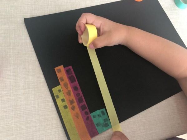 manualidad con cinta decorativa para niños