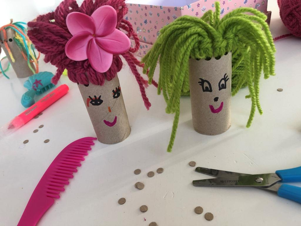 muñecos de cartón de papel higiénico