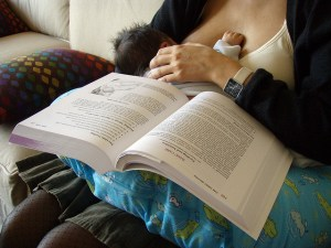 8 cosas que hacer mientras amamantas