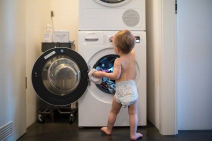 Neon beim Pampers Baby Dry Test