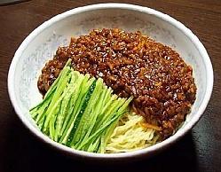 ジャージャー麺の画像