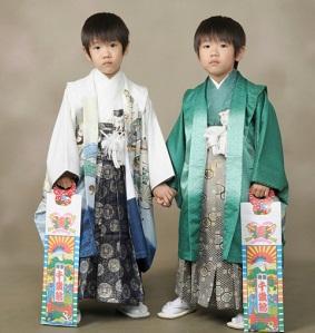 袴姿の子供