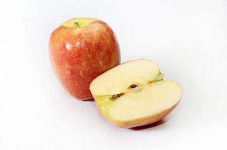 りんごが茶色く変色している!防ぐ方法は塩水や砂糖水がいい?