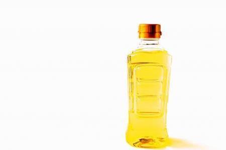 サラダ油とキャノーラ油の違いは?どっちの方が安全?