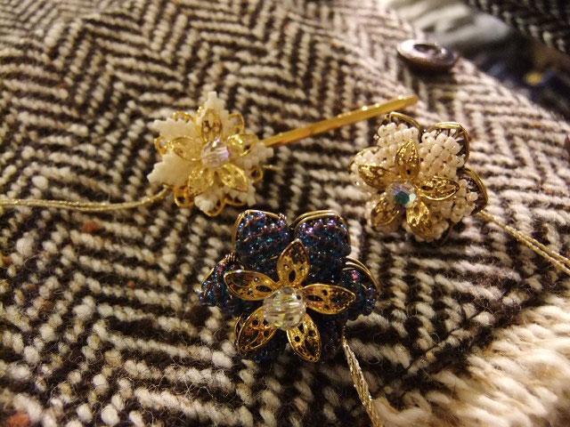 ビーズ刺繍ブローチ