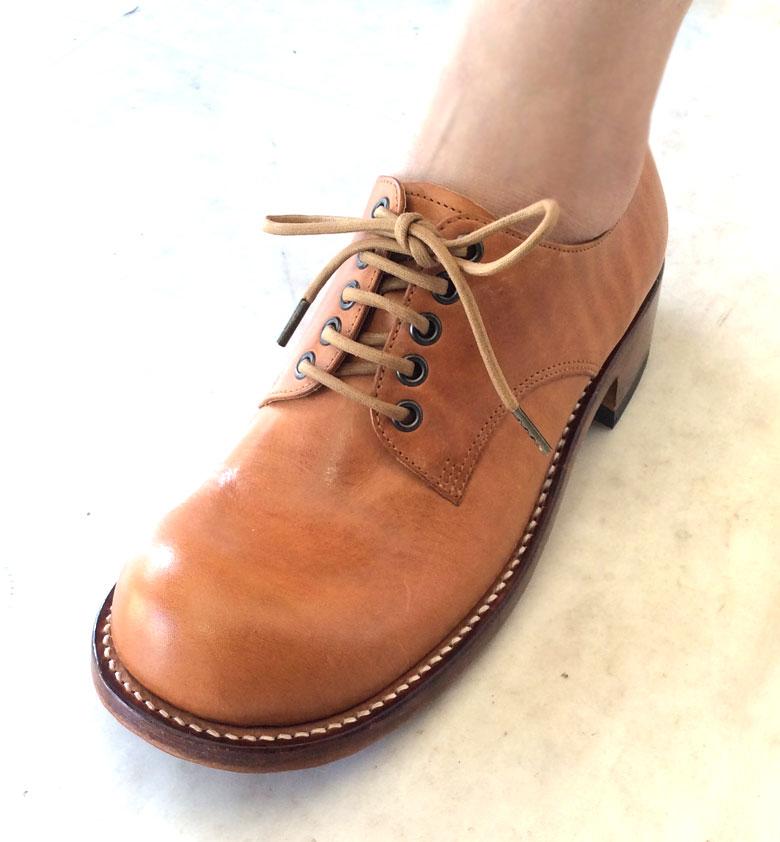 靴ひもの色ナチュラル
