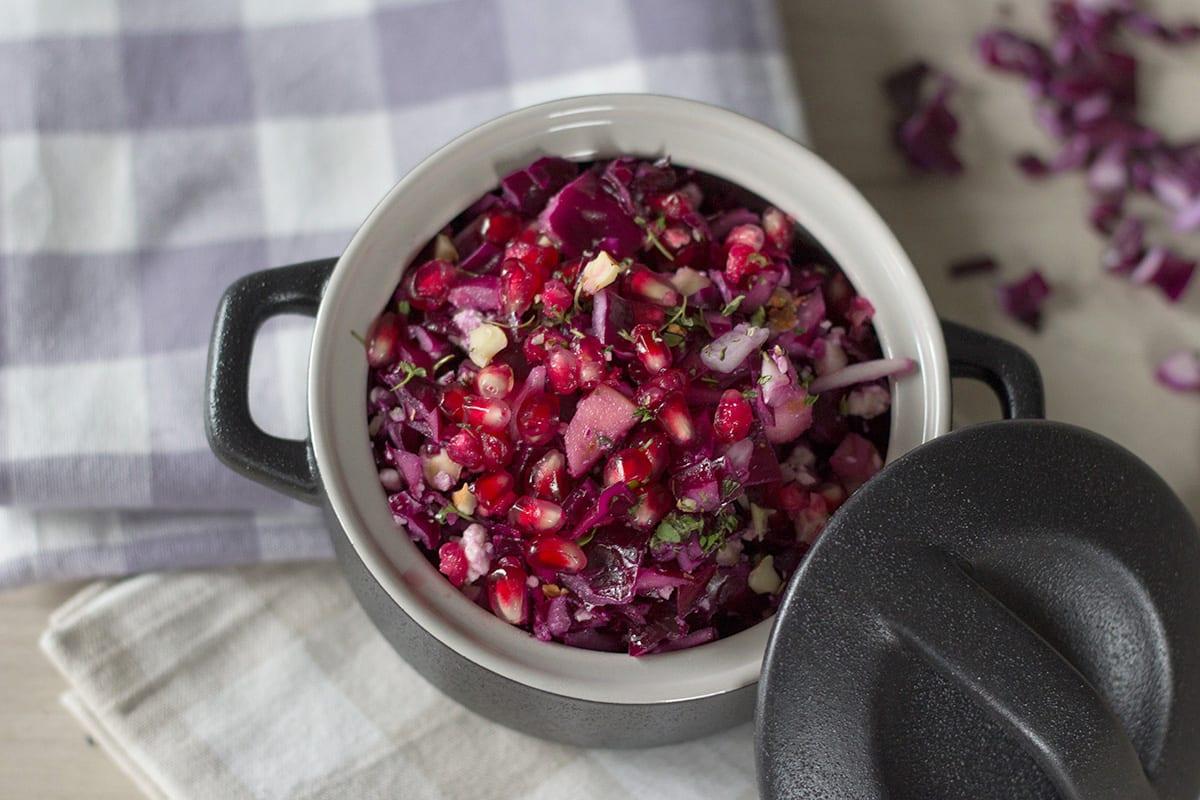 Rezept Rotkohlsalat mit Granatapfel und Feta